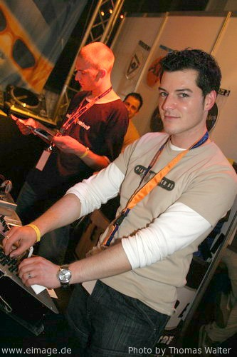 DJ Meeting in der Turbinenhalle Oberhausen am 05.05.2004 - img_9753.jpg - eimage.de - Event Fotos